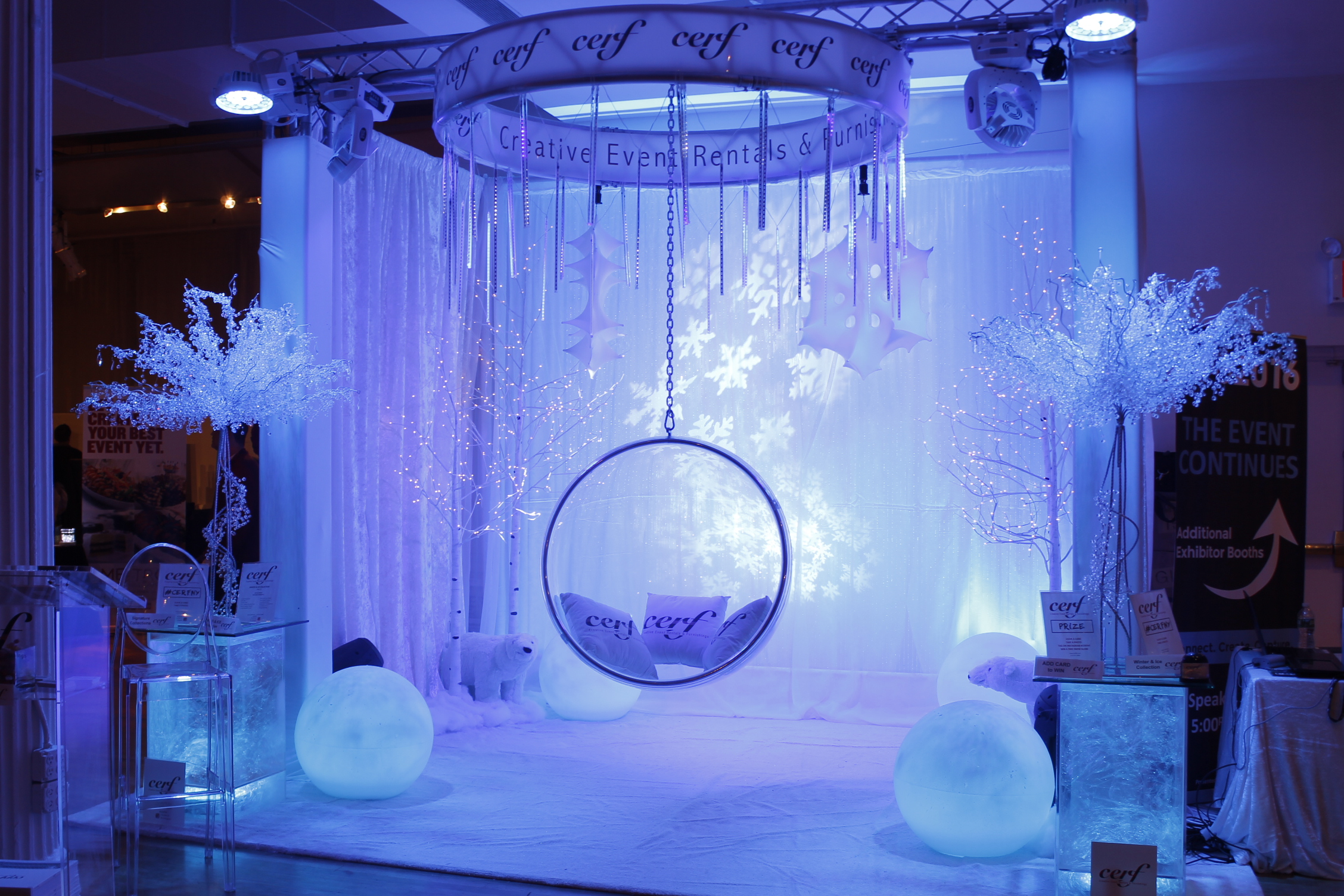 winter-ice-ring-chair-booth-15