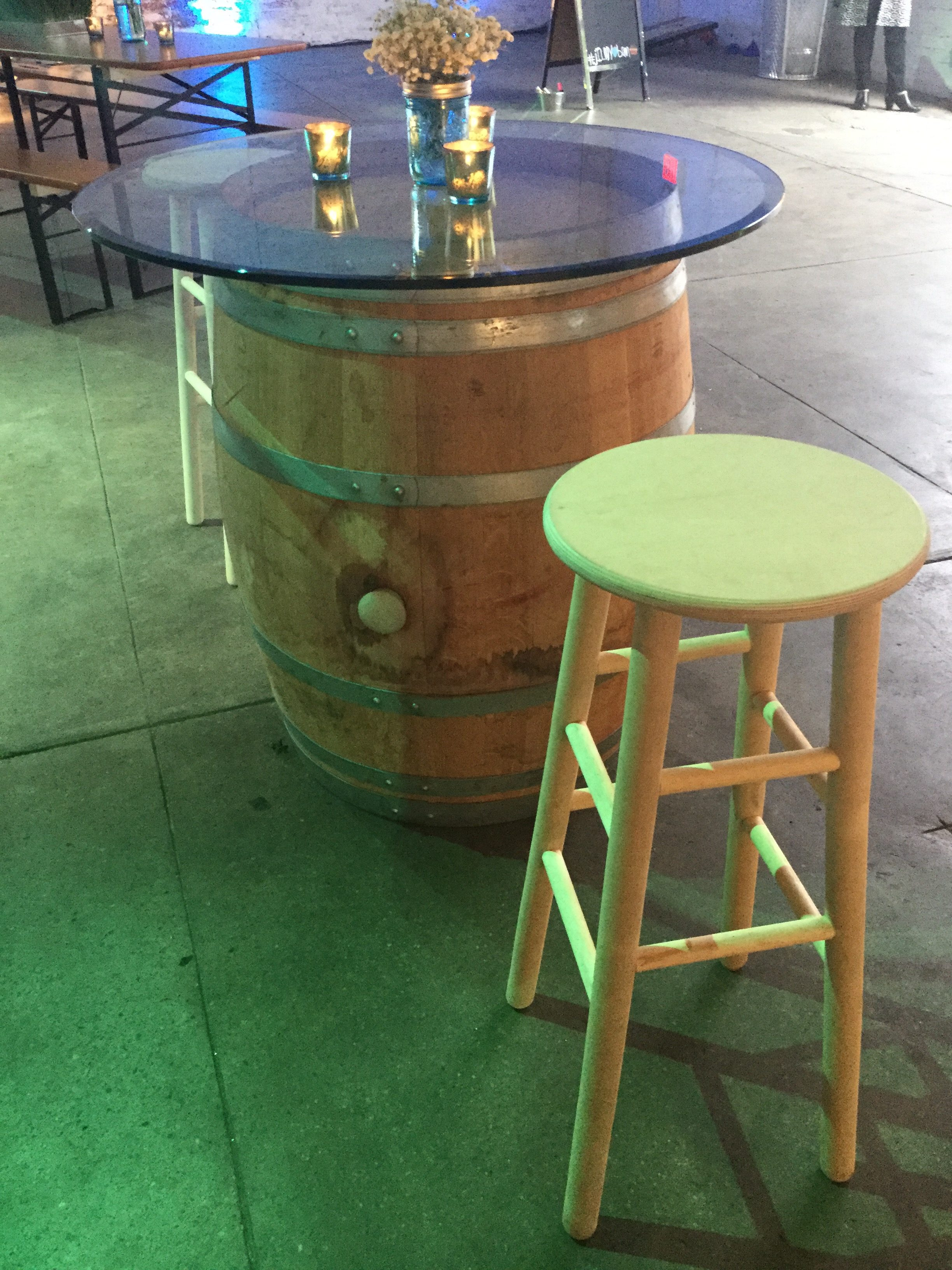 wine-barrel-hb-and-wood-bar-stool-002