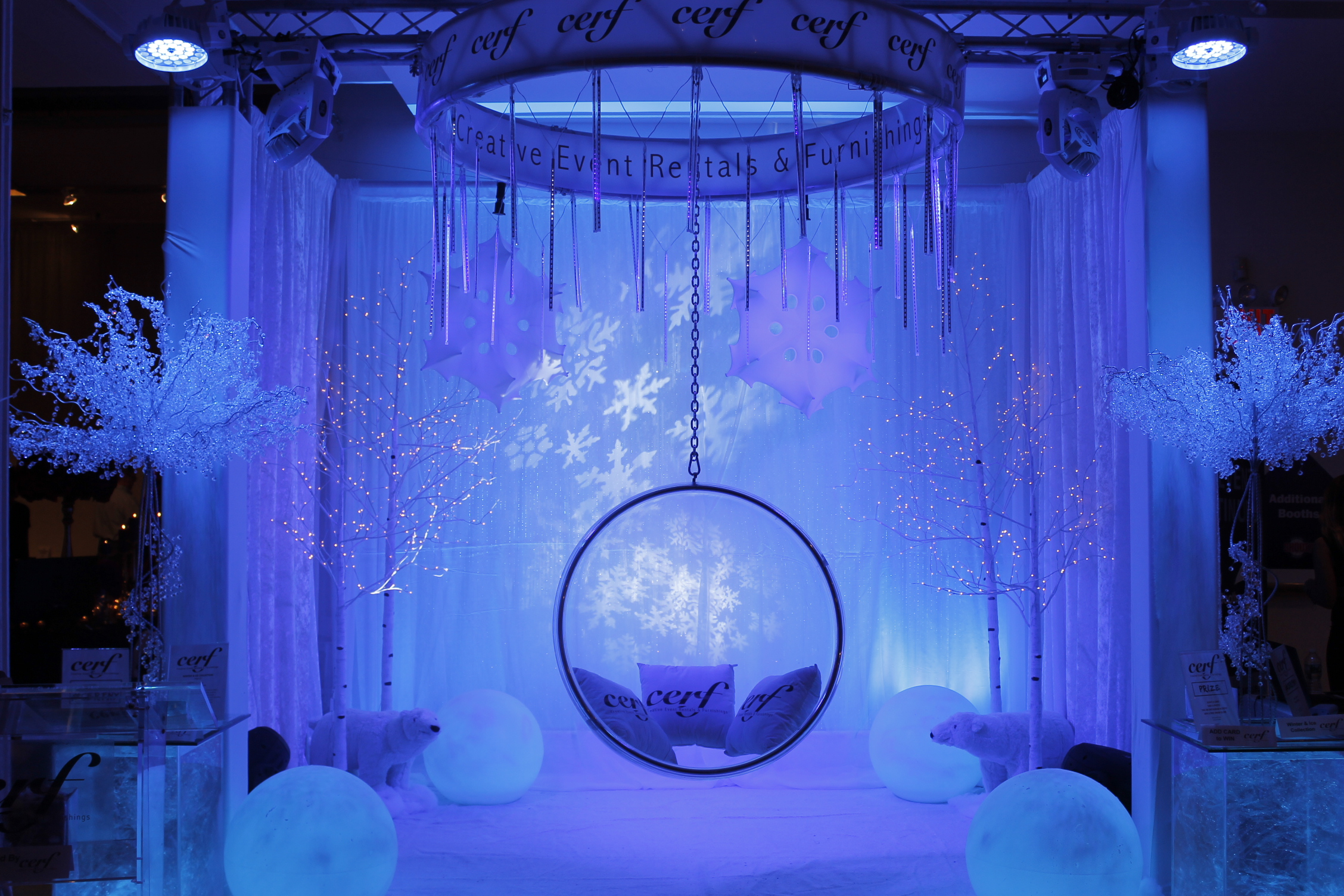 winter-ice-ring-chair-booth-03